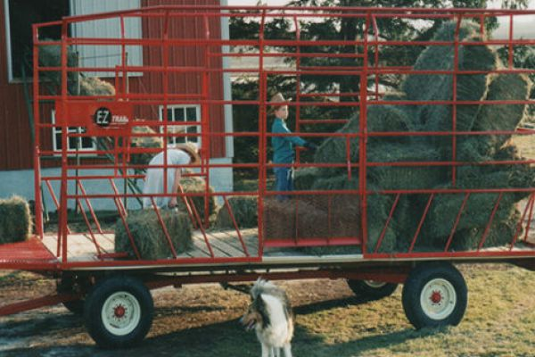 CroppedImage600400-EZ-Trail-Bale-Throw-Wagon.jpg